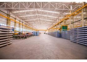 内有建筑材料供批发的大仓库_5542996