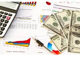 金融信息旁的钞票_969778