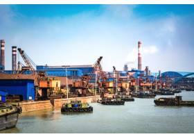 能源海上运输用石油天然气集装箱船和炼油厂_1243077