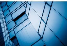 摩天大楼的低角视图_1120947