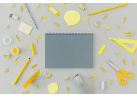 桌子上有顶视图文具用品_8298149