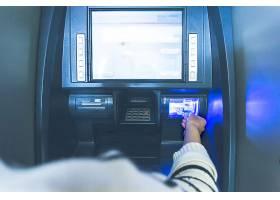 银行的自动取款机操作_1286413