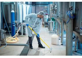 食品加工厂防护服清洗地板的专业工业清洁剂_11450718