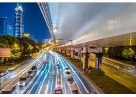 带交通和路灯的夜间市景_1193538