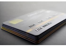 整齐堆放在一起的信用卡_5469644
