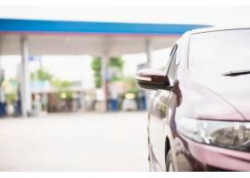 加油站停车汽车能源运输概念_5072219