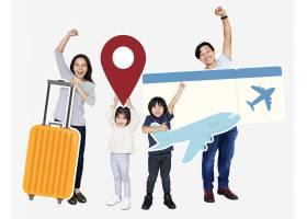 欢快的家庭手持旅游图标和门票_3540944