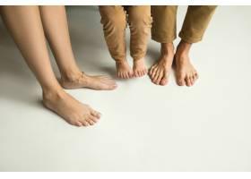 家人的腿穿在白色上_11162357