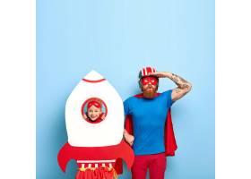 超级父亲戴着面具_12349728
