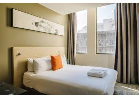 酒店白色卧室_5016670