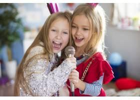 未来的明星们一起唱一首最喜欢的歌_11984038