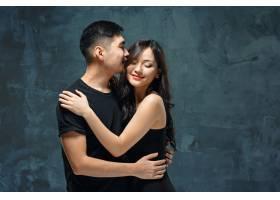 微笑的韩国夫妇的肖像_8364527