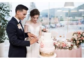 新人切婚礼蛋糕_3035226
