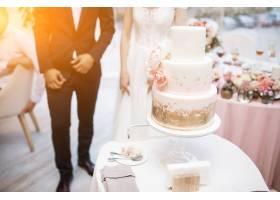 新人切婚礼蛋糕_3035227