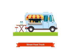 开放街头美食车提供免费餐桌_1311122