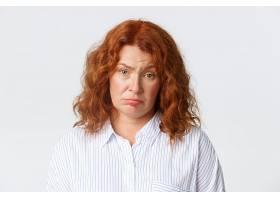 人情感和生活方式观念疲惫不堪的红发中_11162265