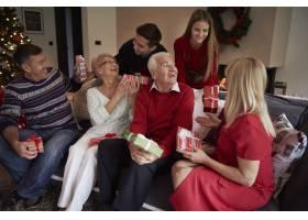 这是一个充满欢乐的圣诞节_12114167