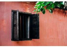 越南海安的旧窗户和粉色墙_4690239
