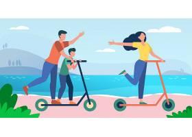 一家人在海边享受活动父母和孩子骑滑板车_10172665