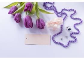母亲节带着玫瑰花和链子的静物节_1958415