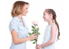 母亲把白玫瑰送给她的小女儿与世隔绝_11576942