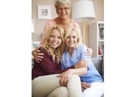 家庭是我们生命中最重要的东西_10979474