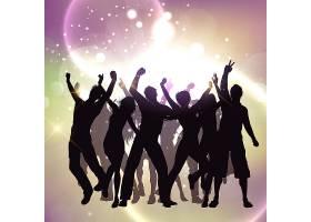 在明亮背景上跳舞的人们的剪影_901286