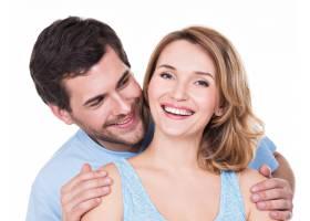 隔离的迷人微笑夫妇的特写肖像_11554680