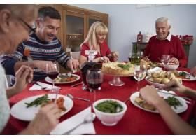 每年都是全家的传统_12114231