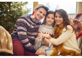圣诞节期间的家庭时间_11821078