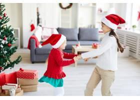 女孩们在圣诞季节旋转跳舞_11262861
