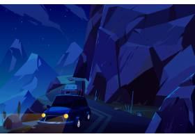 节假日乘坐车顶装着行李袋的汽车旅行晚上_5467429
