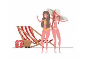 穿着泳衣的妇女站在海滩上_4739963