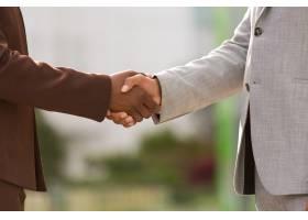 成功的业务合作伙伴完成交易_5889956