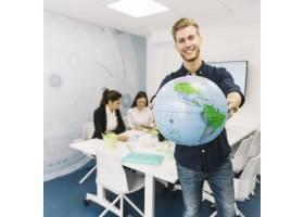 快樂的年輕商人執掌全球_2544003