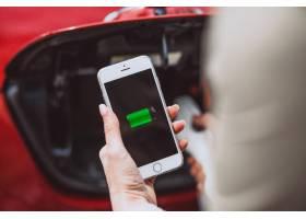 女性手持移动电池充电电动车_4758574