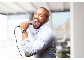 优雅的男人在歌唱_916754