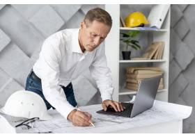 做新项目的建筑师_5154778