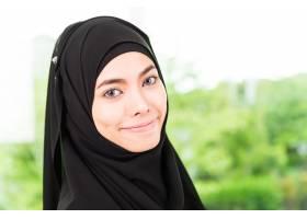 阿拉伯女商人在工作_4188075