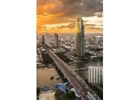 泰国曼谷黄昏时分的城市景观和建筑_4690152
