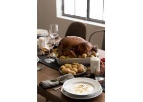 感恩节的高角度食物准备_9546345
