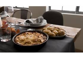 感恩节餐桌上有派吗_9546252