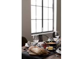 感恩节餐桌上的食物_9546258