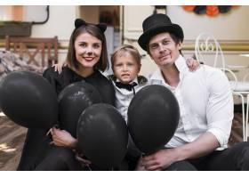 带黑色气球的中枪家族_10109604