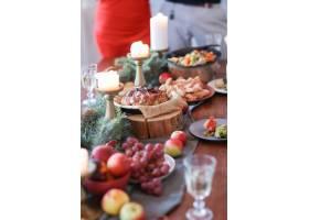 与家人共进圣诞晚餐_9388665