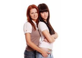 两个年轻漂亮的姐妹_6284605