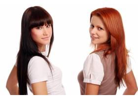 两个年轻漂亮的姐妹_6285917