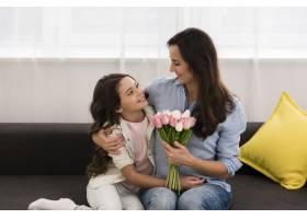 母女俩在一起度过了可爱的时刻_6405120
