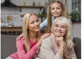 快乐的女性一代在一起_6317996