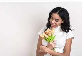 带着鲜花的复制空间美女_6353985